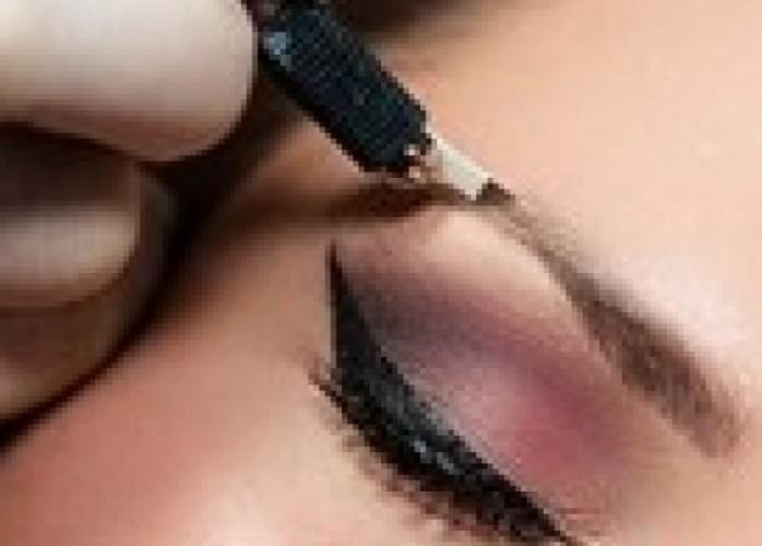 sobrancelhas perfeitas com microblandin hiperrrealista