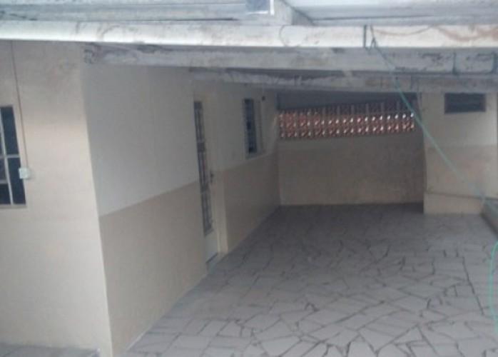 casa 2 comodos, lavanderia e garagem coberta - direto c/ proprietário