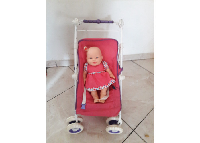 carrinho de boneca
