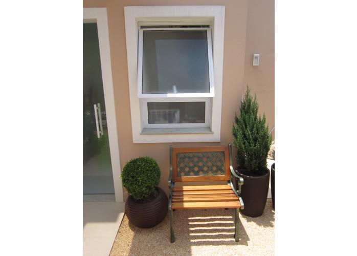 Manutenção em portas e janelas de alumínio