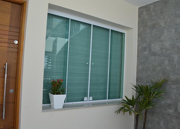 Manutenção em portas e janelas de vidro