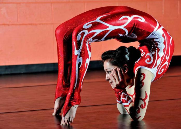 contorcionistas acrobatas salvador bahia humor e circo eventos