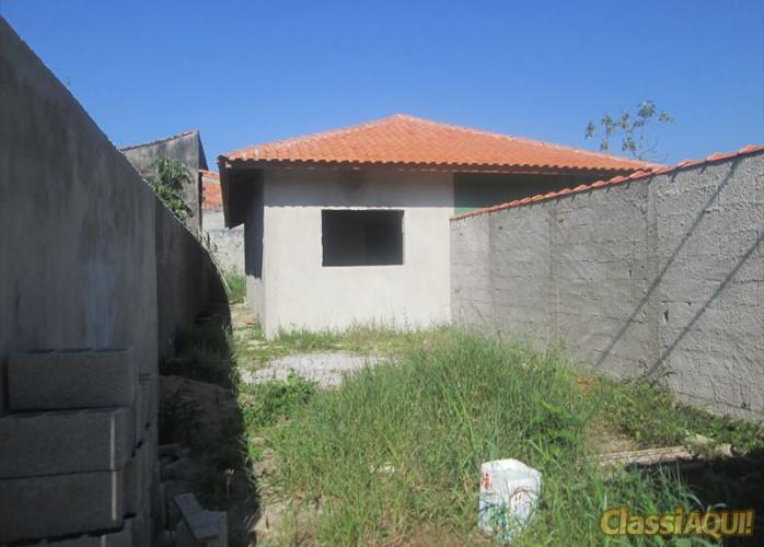 Casa a venda em Itanhaém, aceita troca por carros.