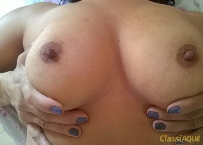 Sheyla especialista em anal adoro sentar numa pica dura
