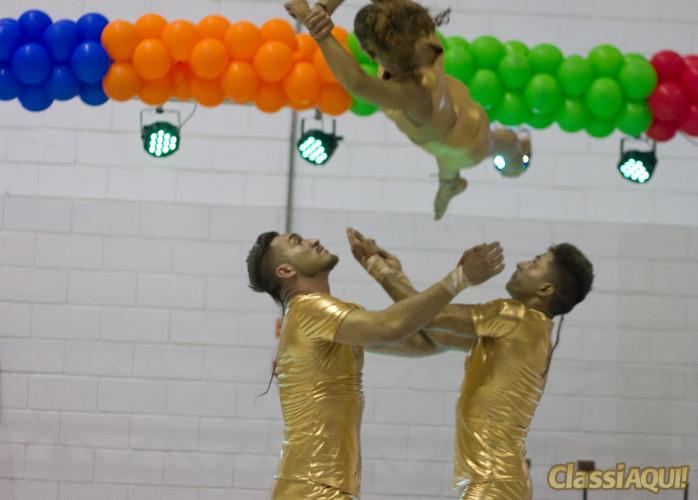 show de circo e a melhor forma de atrair a atenção em um evento corporativo