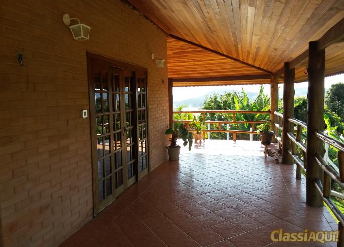 Casa em Atibaia, Condomínio, 04 quartos, pomar, piscina, churrasqueira, toda cercada!!!!!!