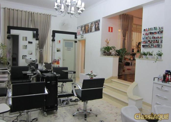 Excelente Salão de Cabeleireiro no Bairro Jardim - Santo André.