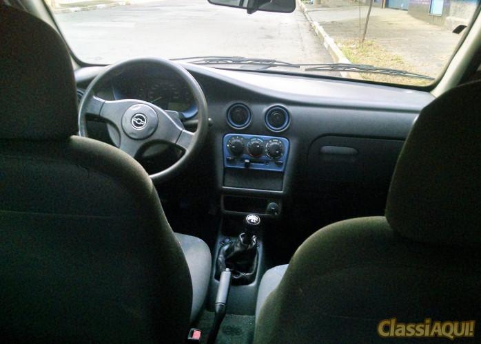 Chevrolet Celta 1.0 Mpfi Vhc 8v Gas C/ Ar, Vidro e Trava 2004/2004