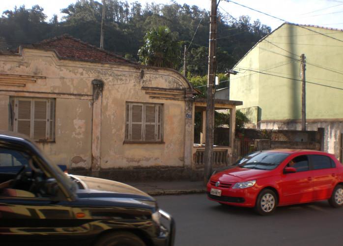 Terreno privilegiado no Centro de Camanducaia MG