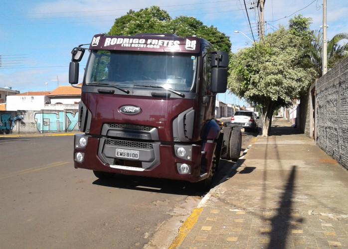 ford cargo 1319 2013 com 25000 km
