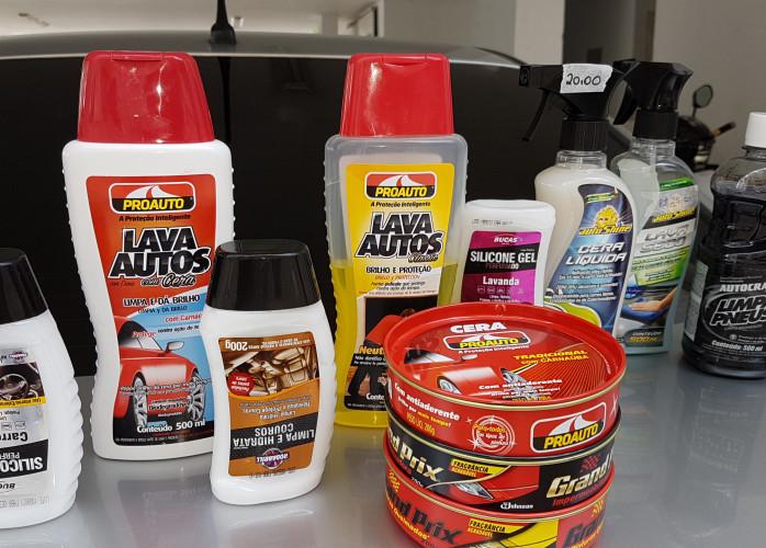 Lavagem a seco de carro em casa ou no seu trabalho