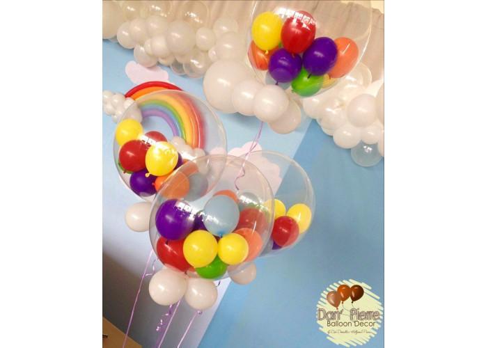 Decoração com balões em alto padrão.