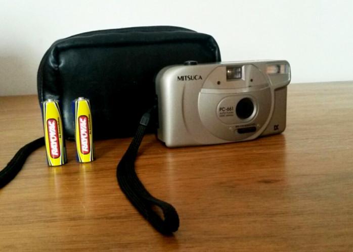 Máquina Fotográfica Antiga de Filme (Mitsuca PC-661 + Bolsa)