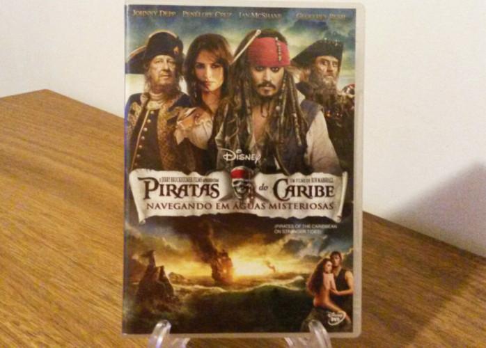 Dvd Piratas do Caribe Navegando em Águas Misteriosas (2011)