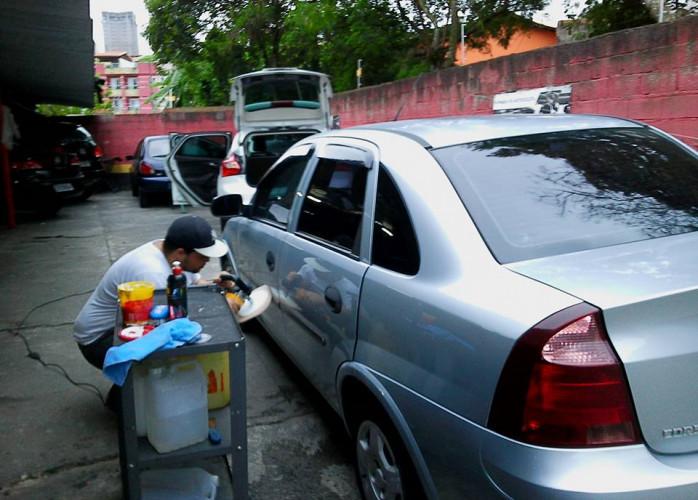 Polimento e Higienização interna para veículos, lavagem de bancos.