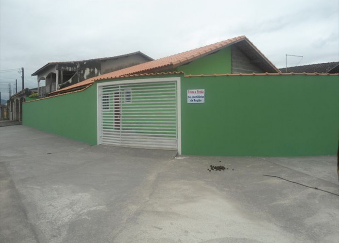 Casa  em Mongaguá para financiar pelo plano Minha Casa Minha Vida.