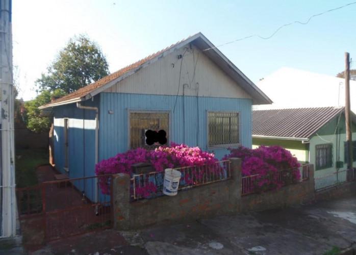 Casa para desmancheVendo casa de madeira para desmanche ... em madeira beneficiada, dois quartos, sala, cozinha, área de