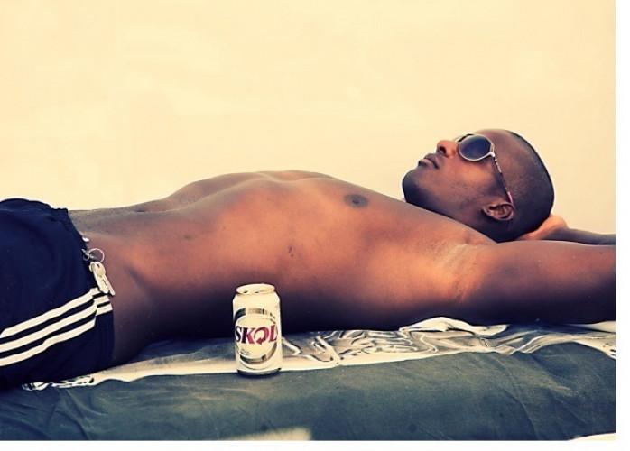 Luiz- rapaz ativo, iniciante 26 anos, 21 de dote grosso 182 de altura R$;