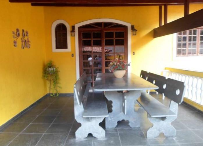 Excelente Casa Térrea 3 Dormitórios 125 m² em Taboão da Serra - Jardim da Glória.