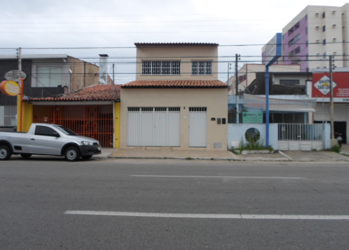 ALUGO CASA COMERCIAL EM JATIUCA  OTIMO LOCAL RUA JOAO DAVINO