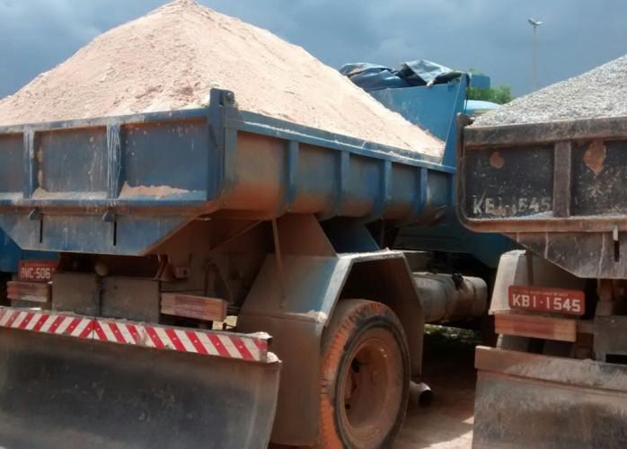 Caminhão toco e truck - Fornecedor de areia - brita - cascalho - saibro – aterro