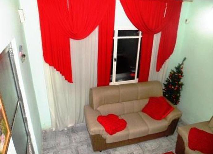 Sobrado à venda, 204 m², 3 quartos, 2 banheiros