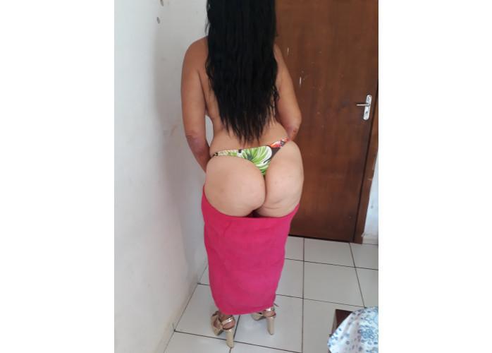 Mulher tesuda , apaixonada  por sexo
