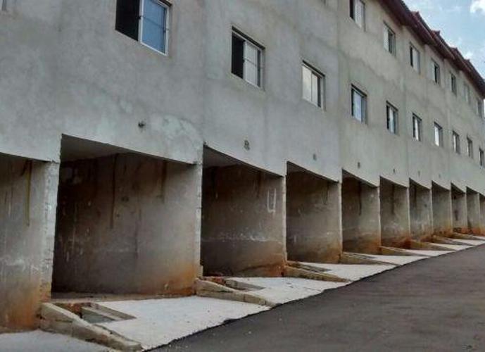 Sobrado à venda, 86 m², 2 quartos, 1 banheiro