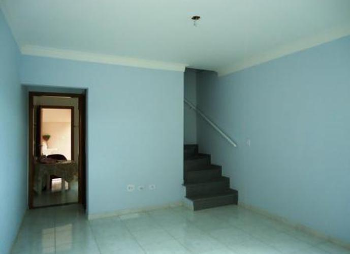 Sobrado à venda, 120 m², 2 quartos, 1 banheiro, 2 suítes