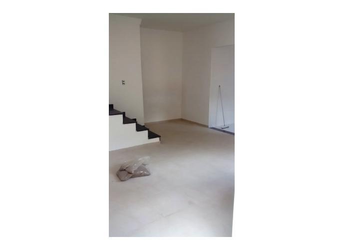 Sobrado à venda, 67 m², 2 quartos, 1 banheiro