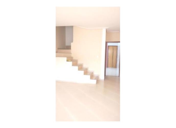 Sobrado à venda, 75 m², 2 quartos, 2 banheiros