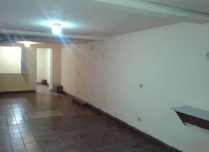Sobrado à venda, 130 m², 3 quartos, 1 banheiro, 1 suíte