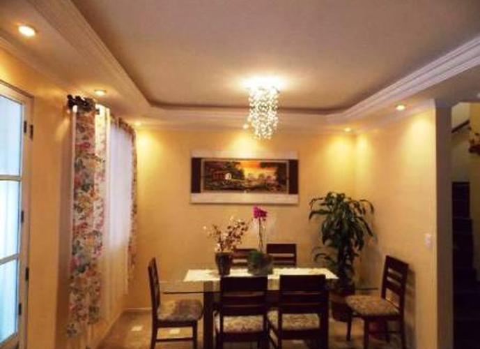 Sobrado à venda, 68 m², 3 quartos, 1 banheiro