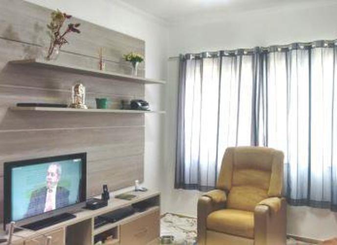 Sobrado à venda, 100 m², 3 quartos, 1 banheiro, 1 suíte