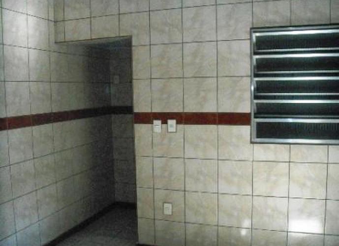 Sobrado à venda, 180 m², 2 quartos, 1 banheiro