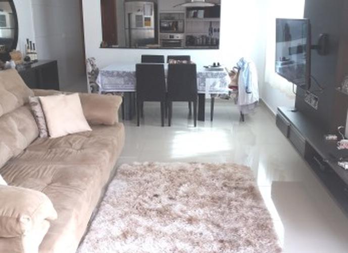 Sobrado à venda, 124 m², 2 quartos, 1 banheiro, 2 suítes