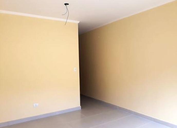 Sobrado à venda, 80 m², 2 quartos, 1 banheiro