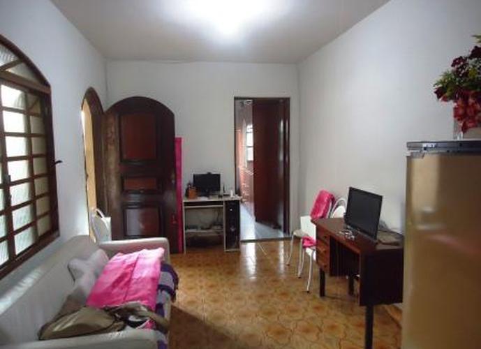Sobrado à venda, 120 m², 3 quartos, 1 banheiro