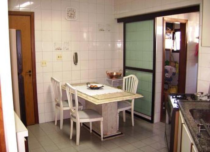 Apartamento à venda, 78 m², 3 quartos, 1 banheiro, 1 suíte