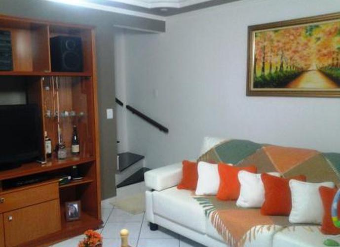Sobrado à venda, 90 m², 2 quartos, 1 banheiro, 2 suítes