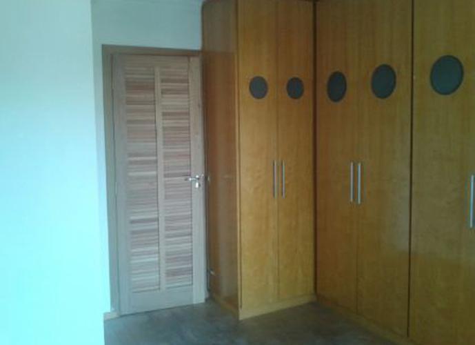 Sobrado à venda, 100 m², 2 quartos, 1 banheiro