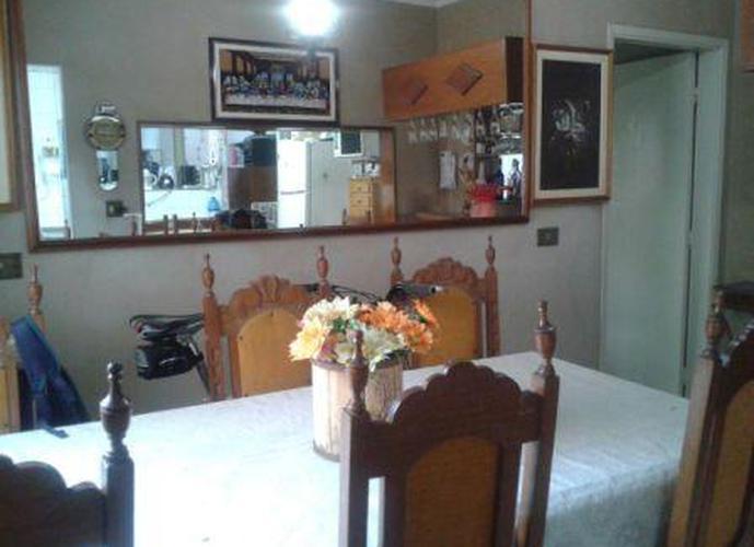 Sobrado à venda, 105 m², 3 quartos, 1 banheiro