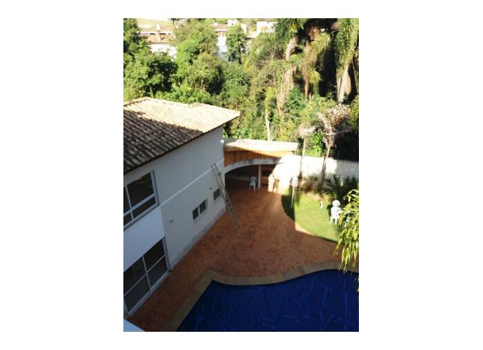 Sobrado à venda, 137 m², 4 quartos, 1 banheiro, 2 suítes
