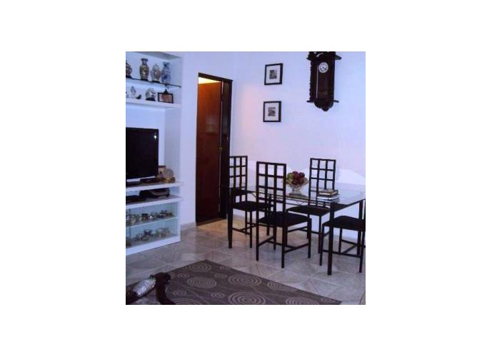 Sobrado à venda, 87 m², 2 quartos, 1 banheiro, 2 suítes