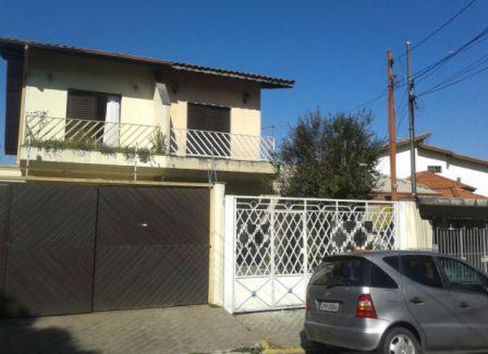 Sobrado à venda, 140 m², 3 quartos, 1 banheiro, 2 suítes