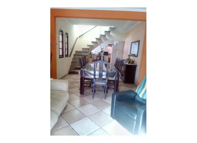 Sobrado à venda, 130 m², 3 quartos, 1 banheiro, 3 suítes