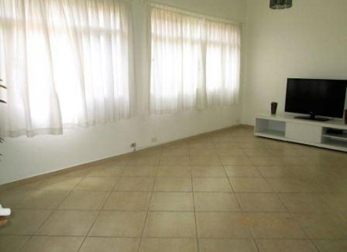 Sobrado à venda, 230 m², 3 quartos, 3 banheiros, 1 suíte