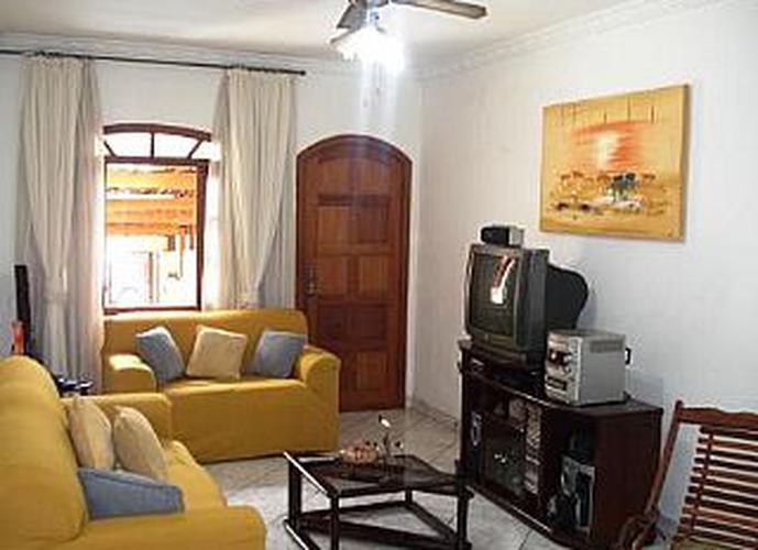 Sobrado à venda, 123 m², 3 quartos, 1 banheiro, 1 suíte