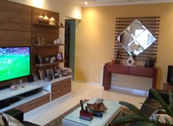 Sobrado à venda, 132 m², 3 quartos, 1 banheiro, 1 suíte