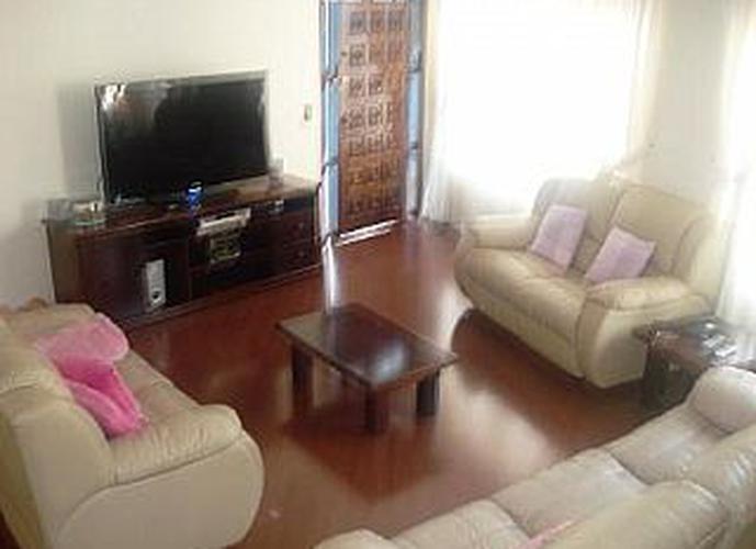 Sobrado à venda, 300 m², 3 quartos, 2 banheiros, 1 suíte